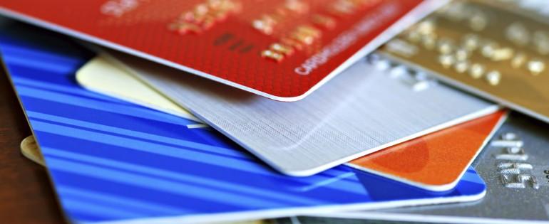 Understanding the credit card vs. debit card